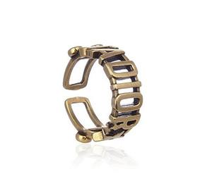 femmes bijoux design de luxe anneaux alphabet exquis cru évidé accessoires anneau de haute qualité à la mode avec une grande personnalité