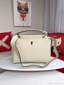 Yeni Avrupa tarzı lüks klasik bayan çanta omuz çantası yumuşak deri katı korteks mektup dekorasyon fermuar kapatma yapılır