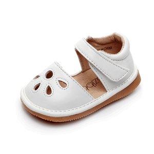 어린 소녀 삐걱 거리는 신발 squeakers 1~3년 아이 수제 봄 여름 신발 샌들 여자 중공 밖으로 재미 아기 가죽 신발 T200530을