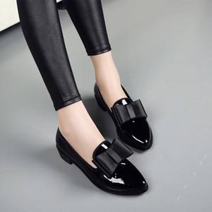 Yeni Kadın Moda ilmek Parlak Rugan Blok Chunky Düşük Topuklar Tek Ayakkabı Kadın Sivri Burun Pompalar Pompalar