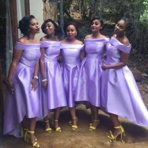 2019 결혼식을위한 Bateau 짧은 신부 들러리 드레스 Hi-Lo 더하기 명예 가운의 하녀 남아프리카 높은 낮은 Vestidos 드 댄스 파티 드레스