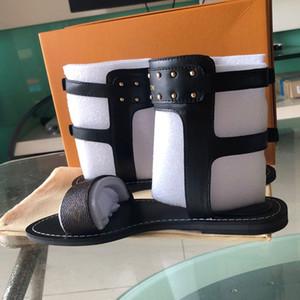 2019 beliebte sommer luxus damen leinwand gladiator stil wohnungen schuhe schwarz goldene nieten frauen nomad sandale partei sexy mode damen schuhe