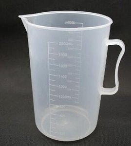 Temperature acid food grade PP plastic measuring cup 2000ml graduated with the high-quality transparent cup