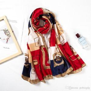 Designer 2019 nuova sciarpa di seta Donne Accessori Chiave di stampa Foulard Moda Femminile ShawlsWraps Beach asciugamano morbido Sciarpe Kerchief