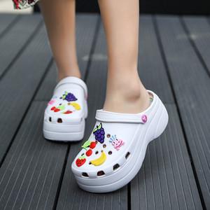 Deslizamento Verão Mulheres Platform Garden Sandals fruta dos desenhos animados Croc tamancos Senhoras Chinelos On Girl Praia sapatos da moda Slides Dois Y200405 Wear