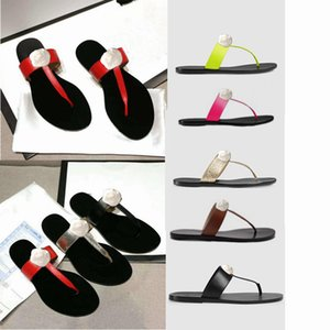 Pigro classiche da uomo Pantofole donna del progettista delle donne pantofole in pelle vera pelle Beach Slippers Uomini fibbia in metallo Donna Sandali Large Size