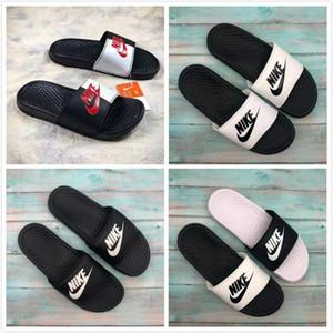 2019 Yüksek Kaliteli Tasarımcı Womens Yaz Kauçuk Sandalet Plaj Slide Moda çizikleri Terlik Kapalı Ayakkabı 01