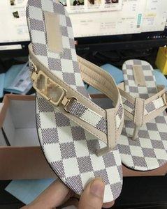 Femmes Sandsals Louis Vuitton 2019 Summer Marque Nouveau Femmes Lames plates Chaussures femme talon Floral plage des pantoufles Livraison