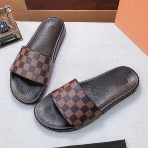 2019 chaussons de haute qualité homme flip flops de femme Chaussures Sandales Mocassins Huaraches Sneakers Formateurs Courir Eu: 35-45 Avec la case 17