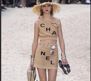 2019 novo design das mulheres sem mangas o-pescoço 3D flor patchwork logotipo letra do bordado gelo seda malha colheita top colete e saia lápis bodycon