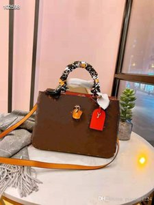 الرجعية الطبقات الثلاث الجديدة مصمم المرأة واحدة حقيبة الكتف رسول حقيبة متعددة الوظائف مع وشاح الحرير