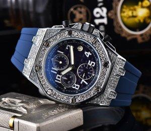 2020 Mens Watch luxe Avenger Super Mouvement Quartz Chronographe Homme Bracelet Caoutchouc Hommes Montres bracelet Relogio Masculino