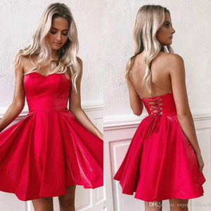 2020 Little Red Mini robes courtes Party New sweetheart Une ligne satin Corset Retour courte robe de bal cocktail Robe BM0940