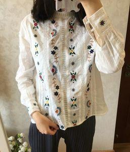 Camisa de la mujer a cielo abierto del bordado de la flor 100% camisa de algodón con el botón natural de Shell