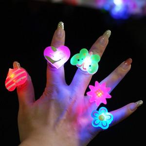 Piscando favor de partido menina miúdos Anel Jelly dos desenhos animados LED Presentes de aniversário do dance party LED Brinquedos C2476