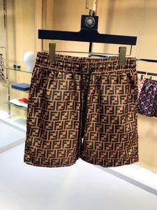 2019 Pantalones impermeables de tela impermeable Pantalones de playa de verano de lujo Pantalones cortos para hombre Pantalones cortos de surf Pantalones cortos de natación Pantalones cortos deportivos