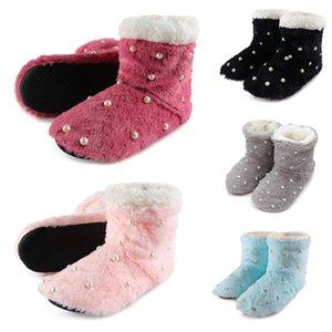 Signore delle donne Slipper Stivaletti molle della peluche di modo di inverno coperta in pile calzini del pavimento dei bottini Pearl Piano Scarpe J55
