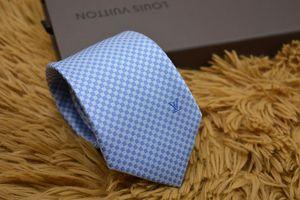 2019 nouveaux arrivés Hommes Cravates En Soie De Mode Hommes Cravates Cravates marque de mode Plaid lettre cravate avec boîte Loisirs d'affaires pour les cadeaux 3 Styles