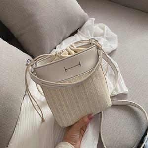 Designer Borse Messenger Bag Woven 2020 i più nuovi di lusso portatile Moda Borsa Secchiello marea Designer Shoulder Bag paglia