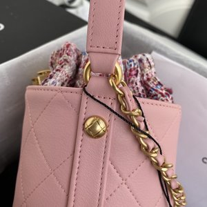 New classic lady's handbag 7A high-end custom quality handbag fashion business casual style gold silver metal accessories with long shoulder