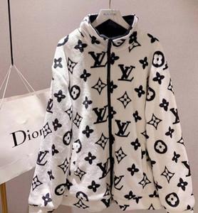 El más nuevo diseño de otoño invierno chaquetas polar de coral cubierto con la impresión de hombres y mujeres de un mismo estilo de los amantes Capa Caliente Súper Comfortabl