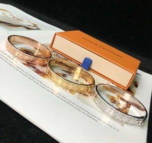 New simple design titanium steel bracelet V letter printed with diamond bracelet Ladies foreign trade bracelet female BFF gift