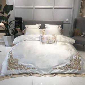 4 / 7Pieces blanco púrpura de la cubierta del Duvet del lecho de hilos de alta hoja de cama armadura sedosa suave y transpirable ropa de cama de la reina Rey