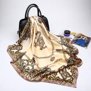 2019 Fashion Brand Leopard Stampato Sciarpa da donna di lusso Hijab seta scialle di raso sciarpe Foulard piazza testa sciarpe avvolge 90x90 cm C19041601