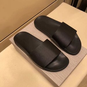 Designer in pelle Waterfront Mule Slipper Uomini Donne Gomma diapositive Sandal Summer Beach Fashion pistoni con la scatola esterna Casual Shoes US12