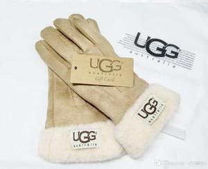 Конструктор Перчатки Luxury UG Handwear Дамы Ourtdoor Теплые перчатки Женщины Brand Пять пальцев перчатки зимы Толстые ватки лыжи перчатки 055