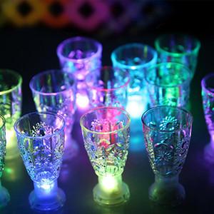 LED Copo de Vidro Mini Luminosa Flash de Luz Colorido KTV Concerto Bar Drinkware Especial Piscando Copo de Vinho Caneca Decorativa DH0170