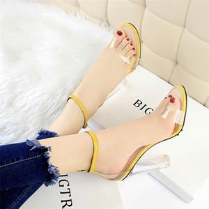 ماري جين الأحذية حذاء امرأة شفافة الصنادل كعب كتلة الأحذية الإيطالية النساء المصممين عالية الكعب الصنادل المرأة صنم الكعب العالي