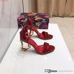 Early spring classic ladies patent leather sandals with high heels Round head strappy Metal heel sandals,Matching Packing