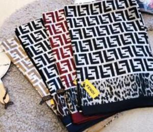 Seidenschal für Frauen-Qualitäts-Frauen Doppel-F Brief Leopard gedruckt Pashmina Schal Schal neuesten Seidenschal Fashion Kopfes