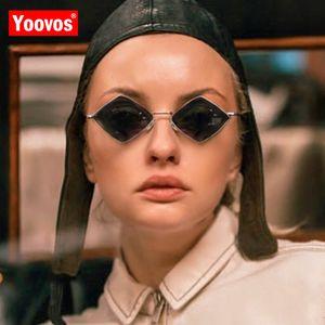Kleine Rahmen-Sonnenbrille-Frauen 2020 Prismatic Retro Quadrat-Sonnenbrille-Frauen-Marken-Entwerfer Kunststoff Oculos De Sol Feminino