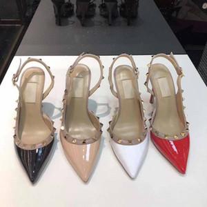 2020 design de luxe Sandales New talons hauts de mode pour femmes sandales parti pompes chaussures habillées en cuir verni nude rivets sexy chaussures de mariage