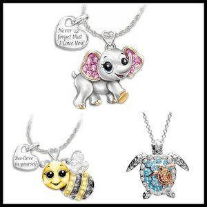 Regali della collana del pendente delle donne di cristallo dell'elefante della tartaruga Bee collana modo squisito d'argento svegli Lettera Accessori Lover