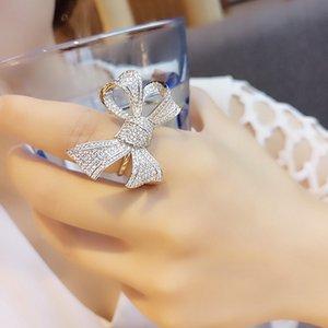 Europa y los Estados Unidos hueco hacia fuera con incrustaciones de circonio micro oro rosa de color de la mariposa de las mujeres anillo exagerado manera preservar el ajuste de f