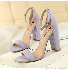 Size 34 to 43 Fashion Lilac Ankle Strappy Buckle Open Toe Chunky Heel Western Sandals Gladiator Sexy Women Summer Shoes Come With Box