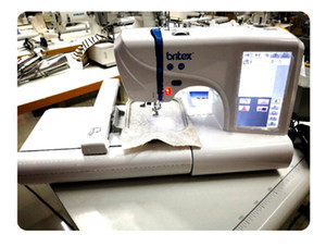 Площадь вышивки: 100x230mm 220V / 110V Многофункциональный DIY Швейные инструменты 7-дюймовый светодиодный экран Портативный компьютер Вышивальная машина