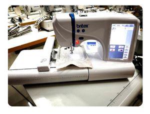 Área de bordado: 100x230mm 220V / 110V Herramientas multifuncionales de costura DIY 7 pulgadas Pantalla LED Máquina de bordado de tela de computadora portátil