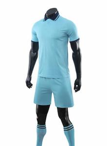 20 malha Desempenho de Futebol Masculino terno bordo luz adulto Custom Logo mais o número Conjuntos de Futebol online uniformes Shorts personalizadas