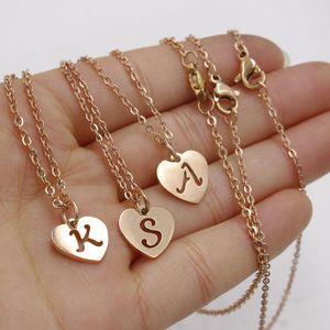 Rose Gold Anfang Anhänger Halskette Edelstahl Frauen Choker Schmuck A-Z 26 Buchstaben Aushöhlen Herzform Anfang Halskette Geschenke