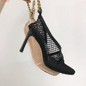 2020 Neueste Nappaleder Sandalen Frauen Schuhe Spitze Zehe hohe Absätze, Mesh-Overlay zurück Chunky Gold-Finish Kette Art und Weise Einfachumreifung Sandale