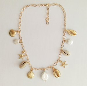 L'oro di colore Shell della perla della collana del Choker di conchiglie donne metallo Fresh collana della moneta paillettes ciondolo perla dell'acqua Dichiarazione Collier
