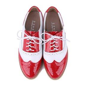 Más el tamaño de las mujeres planas de los zapatos Brogue Plataforma Otoño Inglaterra zapatos de las señoras Oxfords 2019 Cortes Encaje Calzado Casual Mujer