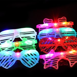 óculos Forma moda Led Óculos coração de incandescência do partido Light Up Shades Rave luminescentes óculos Natal DecorationParty Suprimentos T2I5576