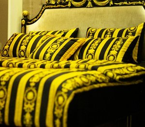 Роскошный европейский стиль роскошное золото 5 шт. черный комплект постельных принадлежностей мода кровать Король Королева размер пододеяльник комплект фирменный дизайн леопардовый принт наборы постельных принадлежностей
