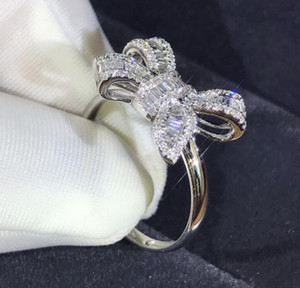 2019 neue Bugleiter Diamantring Simulation Diamant-Schmuck Temperament Frauen Ehering-Legierungsring
