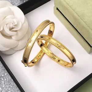 2020 vente chaude VAB1 2019 nouvelle arrivée fin bracelet lettre accessoires de mode V pour les femmes ont des styles cadeau diffferent choisir